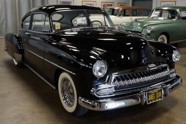 1952 Chevrolet Fleetline Custom Sedanette