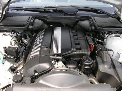 BMW I I - 2002 bmw 530i engine