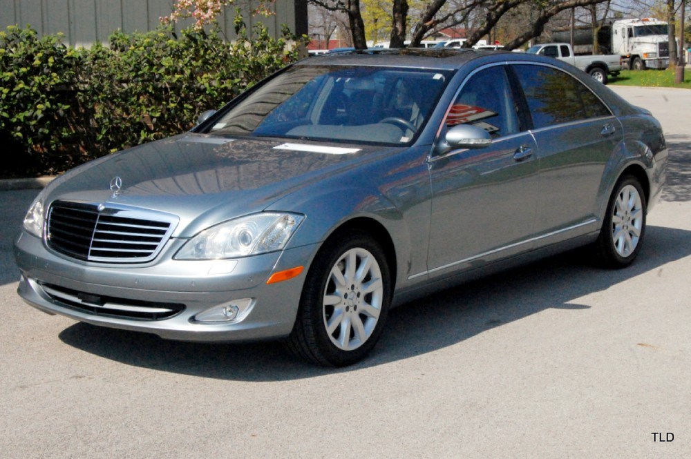 2007 mercedes benz s class s550 4matic for Mercedes benz financial contact number