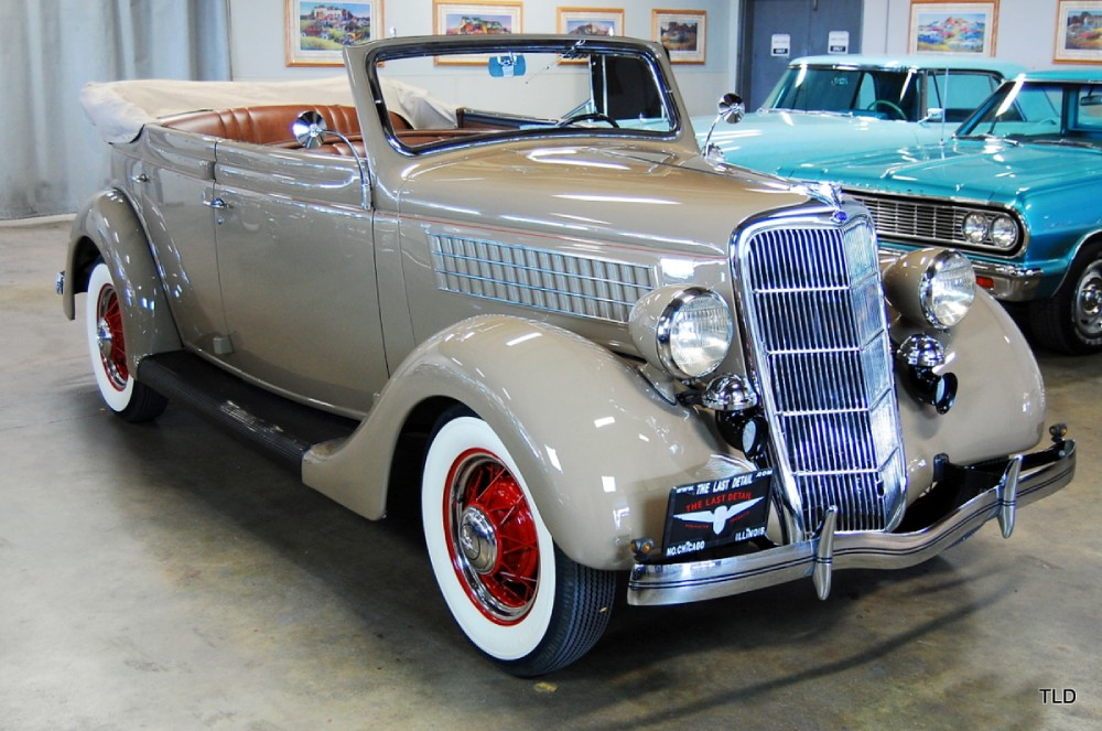 Bonnie And Clyde Car >> 1935 Ford Deluxe Convertible Sedan