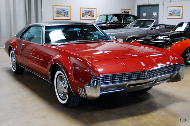 collector and classic cars for sale chicago used luxury cars chicago best collector cars chicago. Black Bedroom Furniture Sets. Home Design Ideas