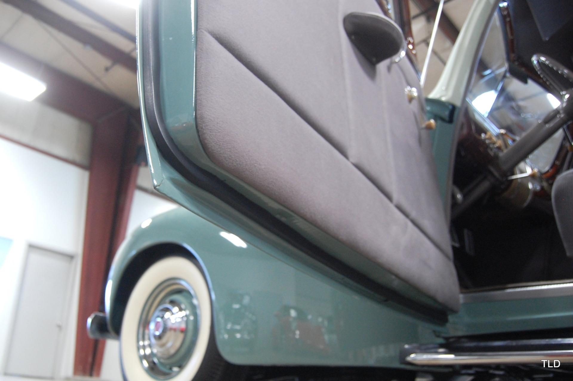 1941 Packard 110 2 Door Sedan: 1941 Packard 110